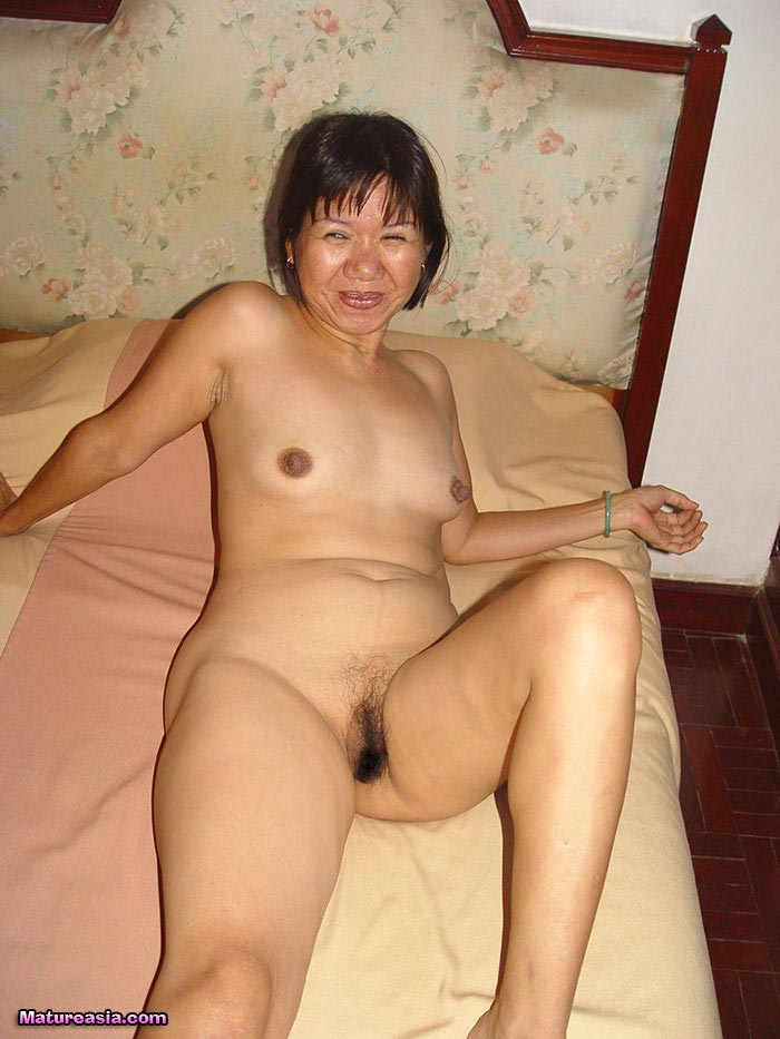 Hot Busty Old Asian Granny Sucks A Cock-2847